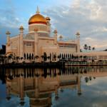 Merasakan Kemegahan Masjid Omar Ali Saifuddin di Bandar Seri Begawan