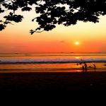 Pantai Pasir Putih Carita, pantai favorit terdekat dari Jakarta