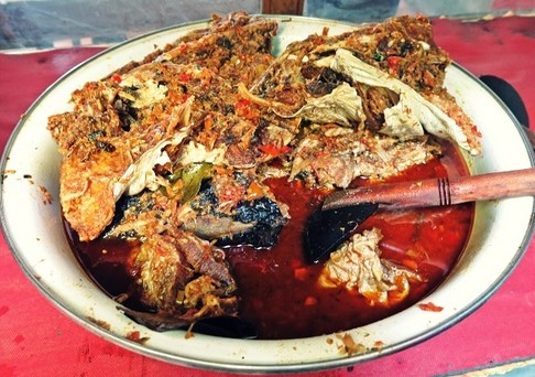 Mangut Beong Warung Makan Sehati