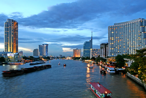 Chao_Phraya_River_Bangkok_Tourism