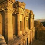 Berkunjung ke Kota Tua Petra, kota di film Indiana Jones 3